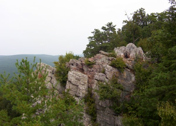 Rock outcropping at Pole Steeple, PA