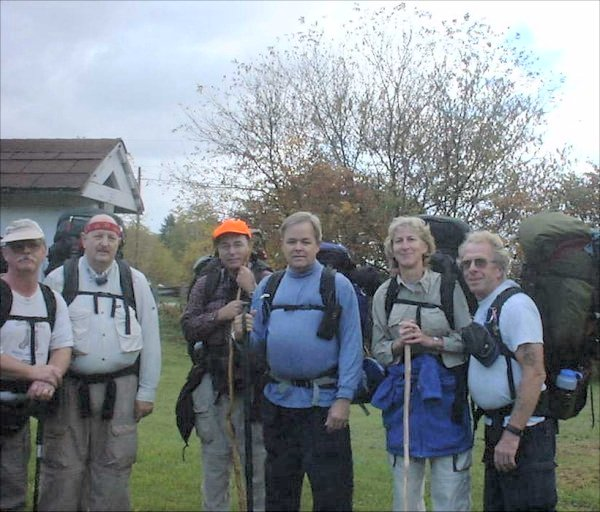 Group picture at beginning of hike