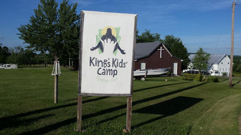 Sign @ Kings CG, PA