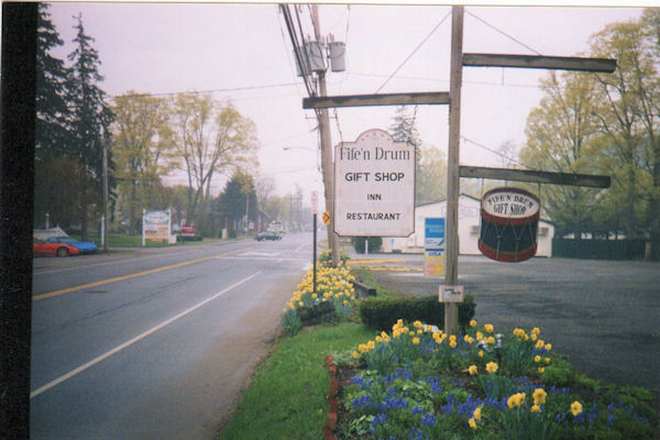 Another Fife n Drum sign, Kent, CT