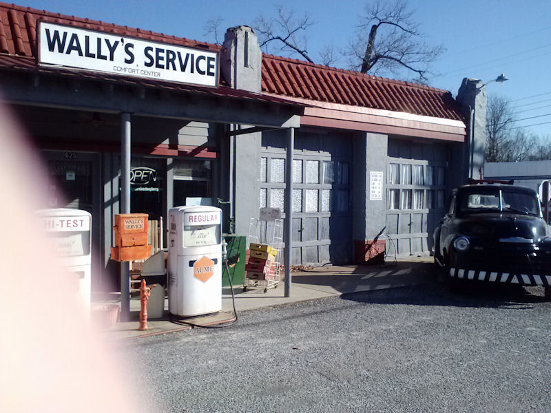 Wallys Service, MT Airy, NC